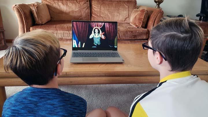 Online Streaming Ballloon Show for Kids