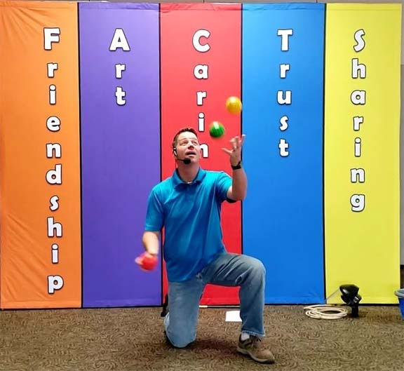 FACTS Library Show - Juggling